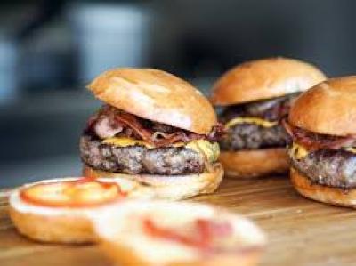 1492948404_best-burgers-playa-blanca.jpg