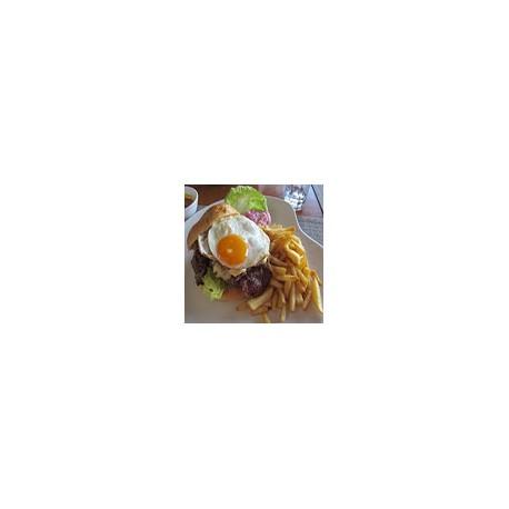 Hamburguesa con Huevo y Fritas