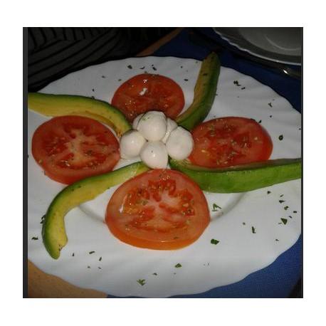 Tomate Aguacate Mozarella