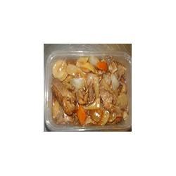Pato con brotes de bambú y champiñones
